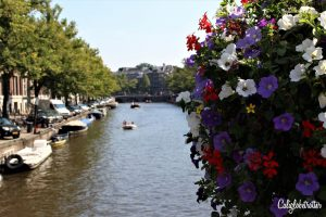A Simple Guide to Strolling the Canals in Amsterdam, The Netherlands - California Globetrotter