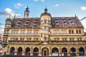 STUNNING City Halls in Germany | Atemberaubende Rathäuser in Deutschland | Town Halls in Germany | Top City Halls in Germany | Beautiful Town Halls in Germany | Rotheburg ob der Tauber City Hall |  Town Hall Rothenburg ob der Tauber | Rothenburger Rathaus by Arzo Travels - California Globetrotter