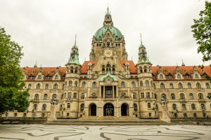 STUNNING City Halls in Germany | Atemberaubende Rathäuser in Deutschland | Town Halls in Germany | Top City Halls in Germany | Beautiful Town Halls in Germany | Hannover City Hall |  Town Hall Hannover| Rathaus Hannover by Kami & the Rest of the World - California Globetrotter