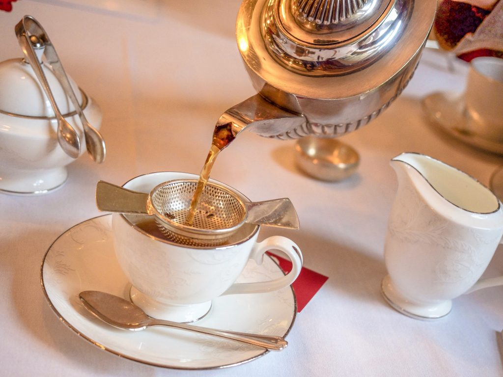 Afternoon Teas Around the World - Willy Wonka Afternoon Tea at Chesterfield Mayfair, London, England - Afternoon Tea in London - Chesterfield Mayfair Afternoon tea by My Wanderlusty Life - The Best Afternoon Teas - High Tea - Luxurious Afternoon Teas - California Globetrotter