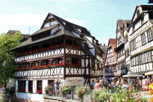 Strasbourg, France | Day Trips from Frankfurt | Day Trips from Stuttgart | Top Places to Visit in Germany | Things to do in Germany | Castles in Germany | Best Cities to Visit in Germany | Small Towns in Germany | Half-timbered Towns in Germany | Germany City Tripping | Road Trips in Germany | Family-friendly Day Trips - California Globetrotter