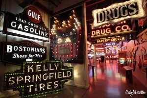 American Sign Museum | A City Rejuvenated: Cincinnati, Ohio | What to do in Downtown Cincinnati | What to do in Over-the-Rhine | Why You Should Visit Cincinnati | Most Promising Cities in the US | Top Cities to Visit in 2018 | Sightseeing in Cincinnati | Cincinnati Main Attractions | OhioLove | Cincy Sights | Travel USA | Cities to Visit in America | Cities in Ohio | Unique Things to do in Cincinnati | Day Trip from Louisville, KY | #Cincinnati #Ohio #Cincy #USA - California Globetrotter