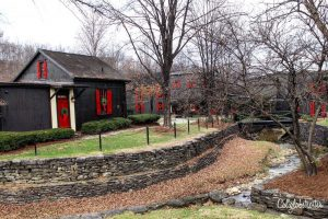 Maker's Mark Distillery | Day Trips from Louisville, KY | Things to do near Louisville | Bourbon, Horses & History | Kentucky Bourbon Trail | Midwestern Cities | Cities to Visit in the Midwest | Top US Cities to Visit | Small Town USA | #Kentucky #BourbonCountry #TravelUSA - California Globetrotter