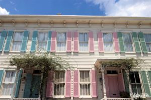 Rainbow Row | A Busy Bee's Guide to Savannah, Georgia | Things to do in Savannah | 24 hours in Savannah | Savannah City Guide | Savannah Itinerary | Getting Around Savannah | Where to Eat in Savannah | Savannah Historic District | Downtown Savannah | #Savannah #Georgia #TravelUSA - California Globetrotter