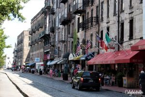 River Street | A Busy Bee's Guide to Savannah, Georgia | Things to do in Savannah | 24 hours in Savannah | Savannah City Guide | Savannah Itinerary | Getting Around Savannah | Where to Eat in Savannah | Savannah Historic District | Downtown Savannah | #Savannah #Georgia #TravelUSA - California Globetrotter