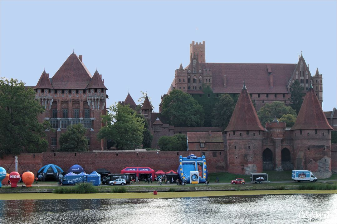 Malbork Castle, Poland | Fairytale Castles in Europe | The Best European Castles | Castles of Europe | Oldest Castles in Europe | Castles in Germany | Castles in England | Castles in France | Castles in Austria | Castles in Czech Republic | Castles in Romania | Castles in Italy | Castles in Belgium | Difference Between Castle & Palace | Schloss oder Burg? | Best Places to Go in Europe - California Globetrotter